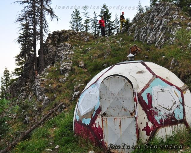 refugiul sperantelor (cabana ascunsa)