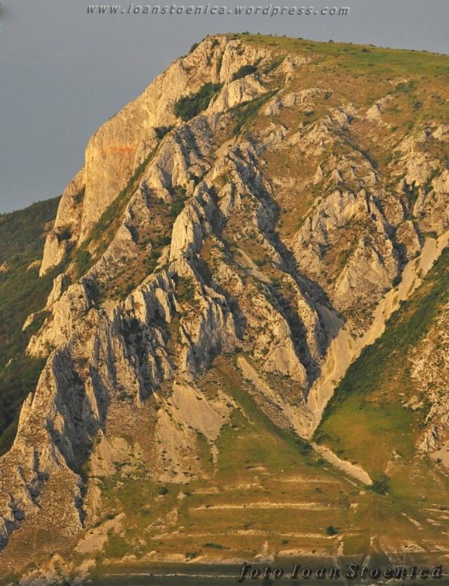 zoom piatra secuiului