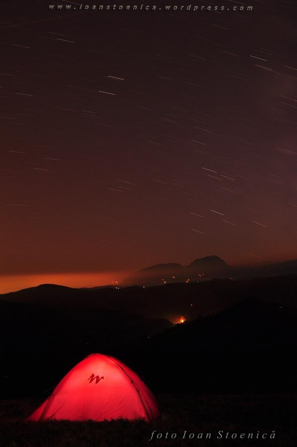 noaptea peste cort
