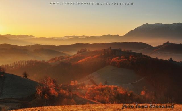 lumina frumoasa peste dealuri