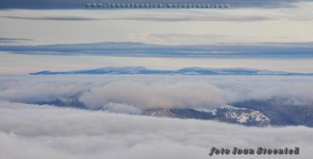muntii calimani vazuti din ceahlau