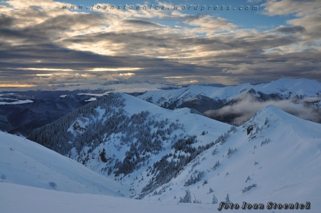 culmea Muntele Rosu iarna
