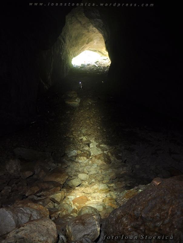 the way out - lumina spre iesire