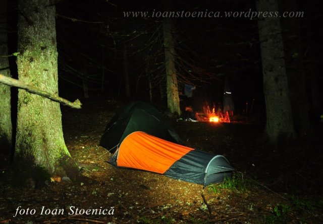 cort ferrino bivy hl - noaptea in padure