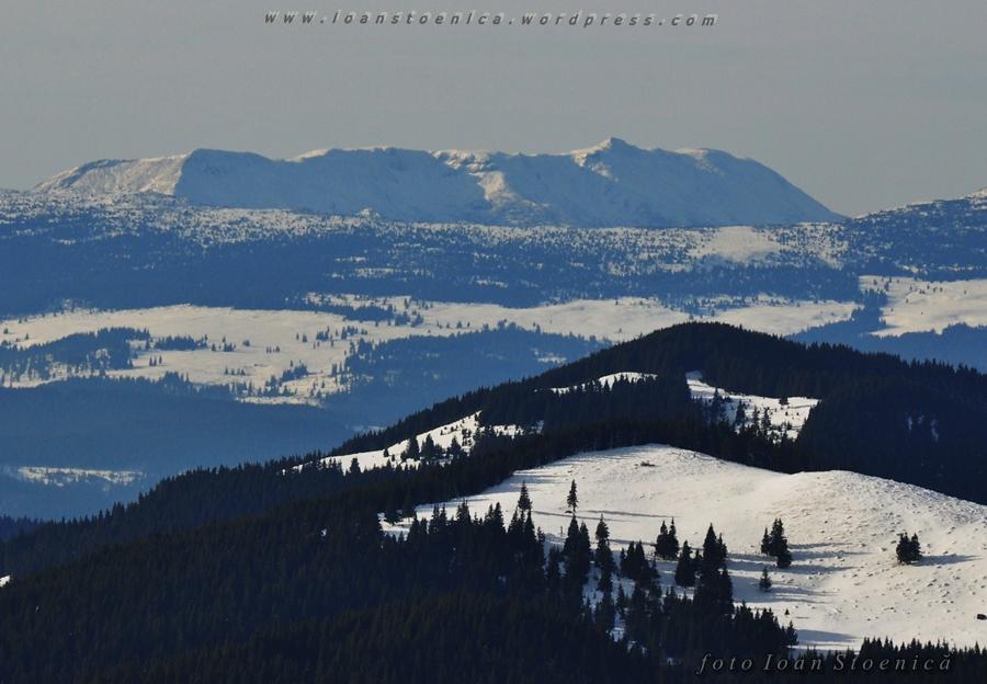 muntii calimani - vazuti din muntii Bistritei