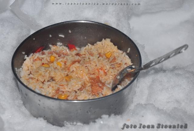 orez cu ton - de gatit pe munte
