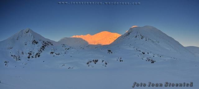 apus de soare iarna pe munte - peleaga