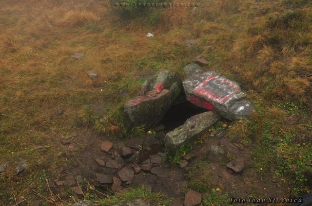 izvor langa loc de campare - Scaunul Domnului