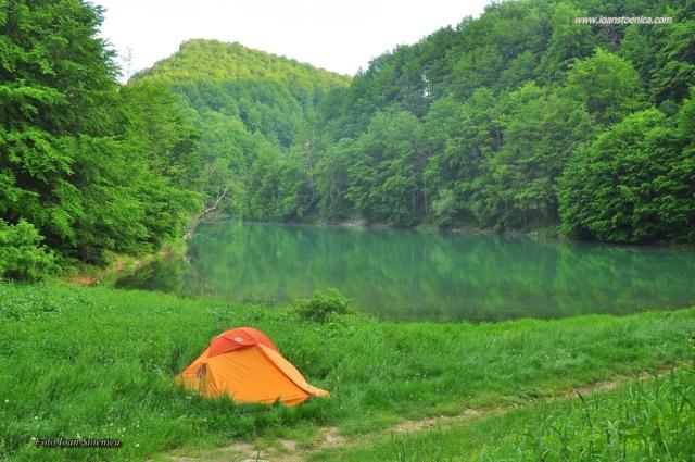 lacul ighiel si cort